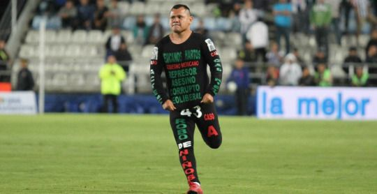 'Fed Up Mexicans': Protester Makes Powerful Statement During América-Pachuca Game