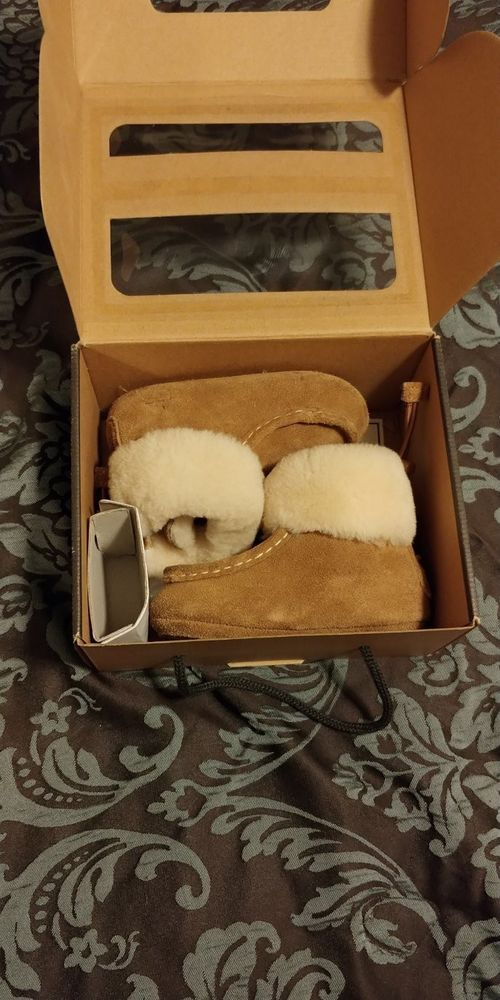UGG BABY BOO Chestnut Brown Sheepskin Toddler Boots Shoes