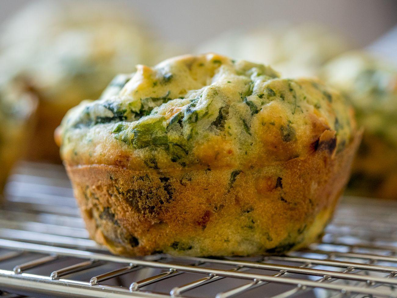 Les fabuleux muffins déjeuner aux épinards et fromage feta (Facile et rapide!)