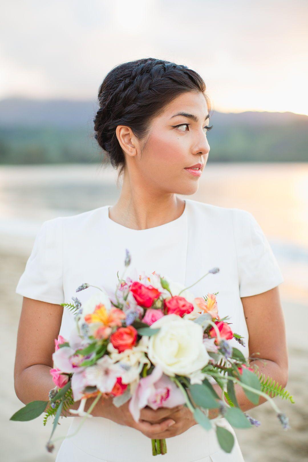 Hanalei beach bride simple hawaiian colorful bouquet bridal braid