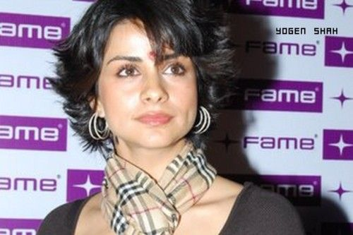 Short Hairstyles For Sarees For Indian Women Over 50 Short Hair Styles Hairstyle For Saree Hair Styles