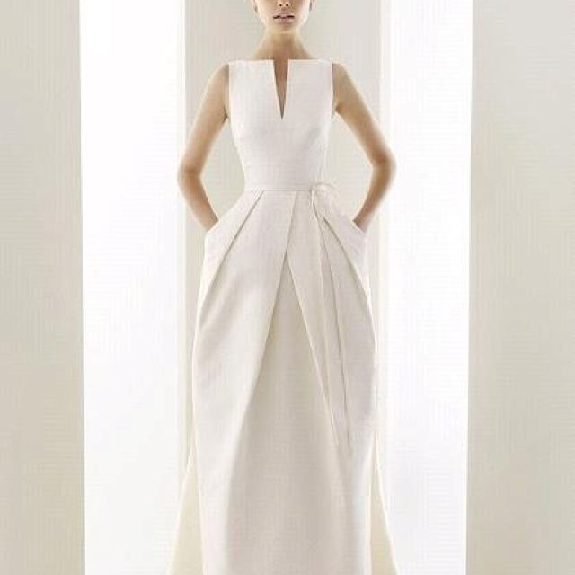 Gorgeous Wedding Dress Reminds Me Of Vintage Balenciaga And YSLyes