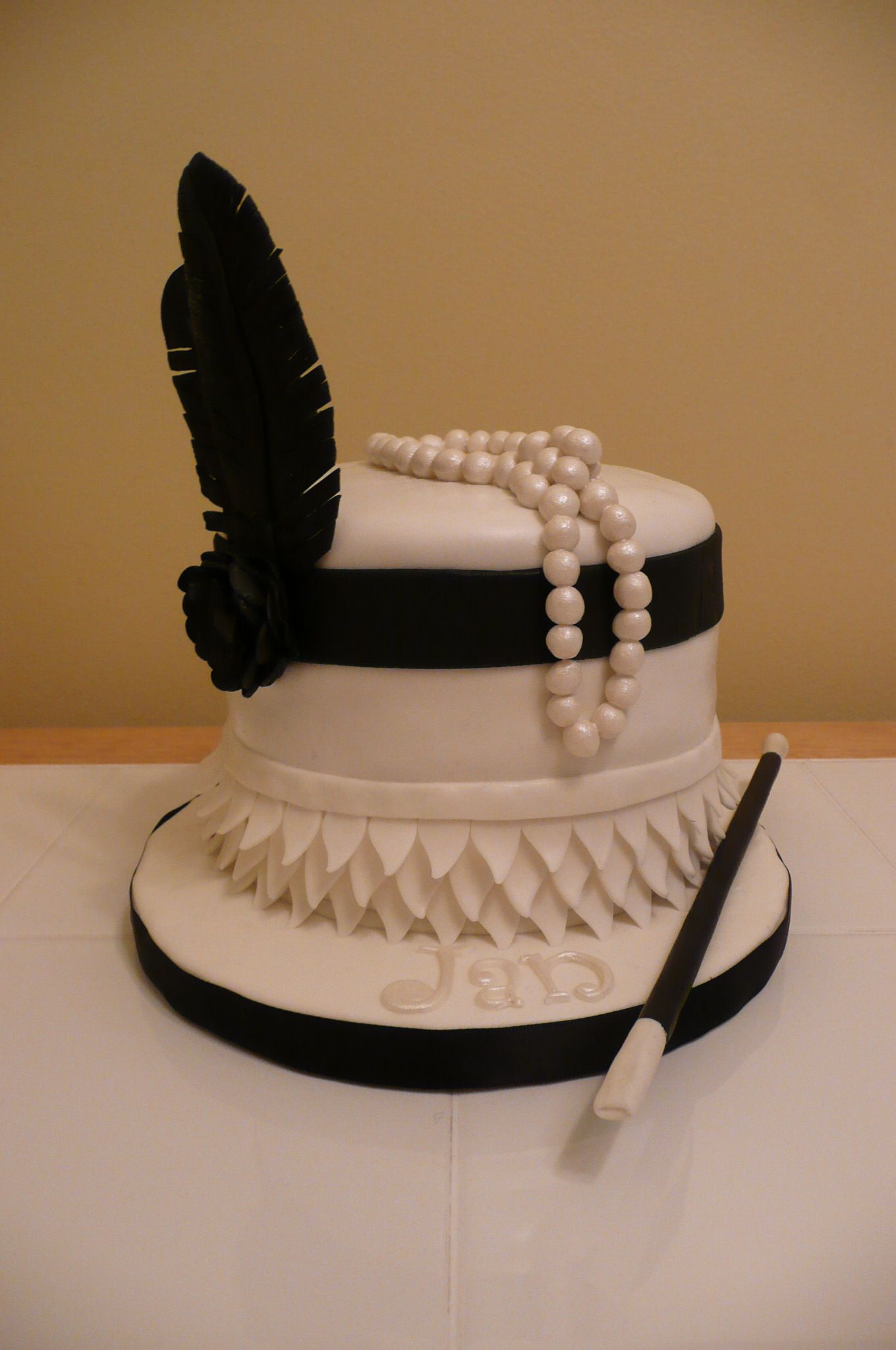 Black White 20s Flapper Cake With Images Gatsby Birthday