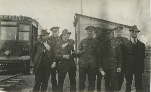 [Soldiers and men] | saskhistoryonline.ca