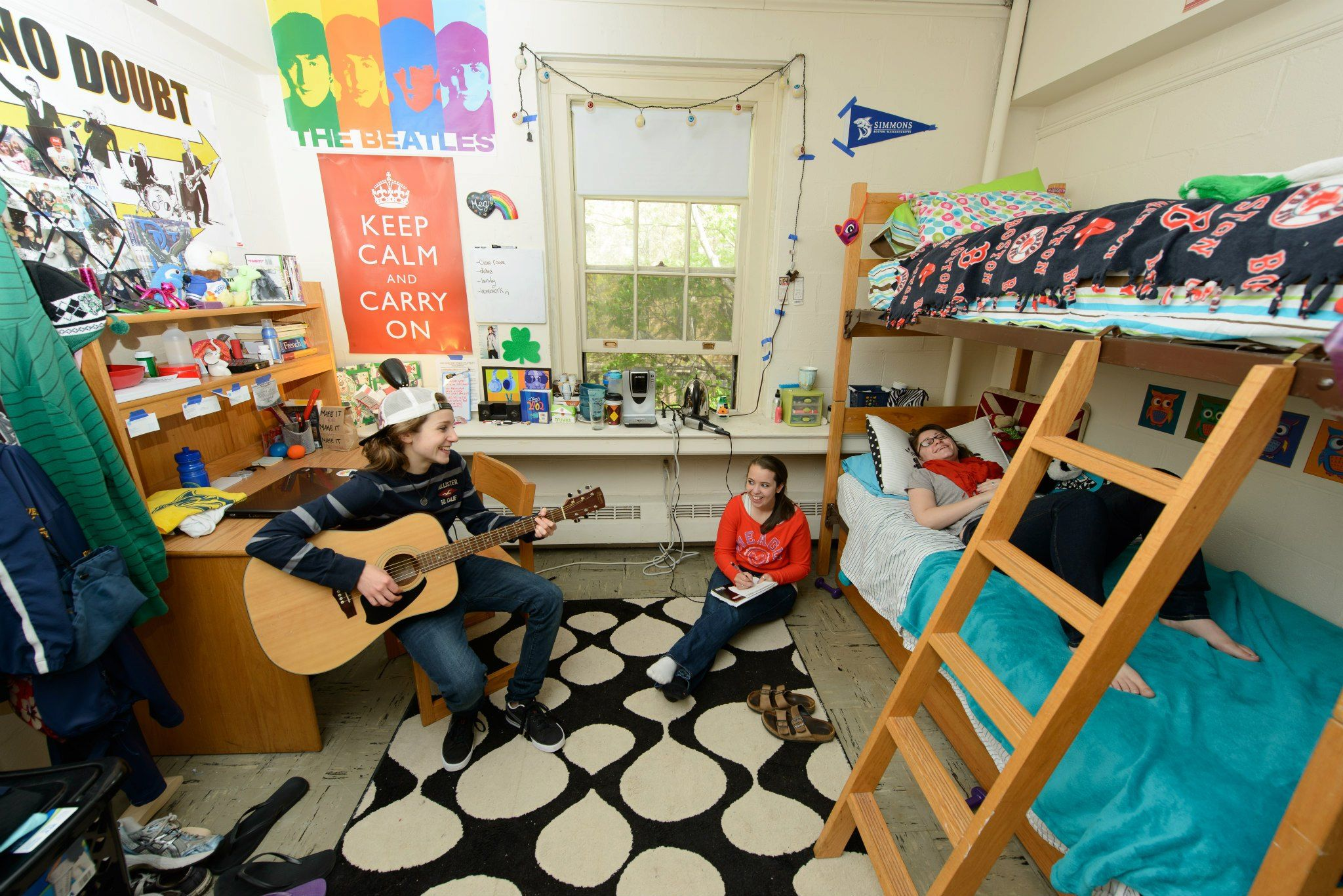 Simmons college dorm room simmons hall dorm room ideas pinterest college dorm rooms - What can girl room look like ...