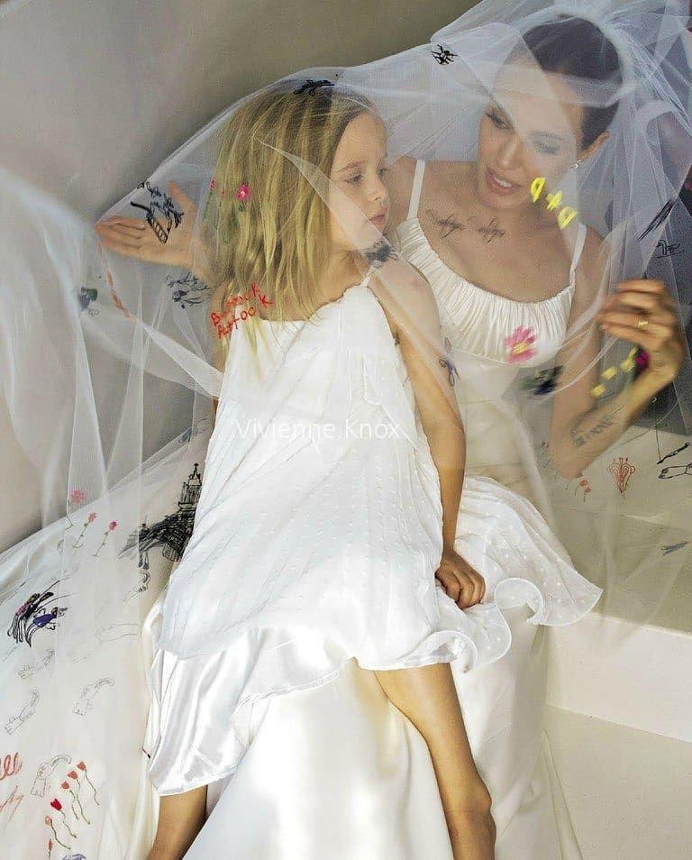 1 375 Likes 9 Comments Vivienne And Knox Jolie Pitt Vivienne Knox On Instagram Sweet Girl K Angelina Jolie Wedding Celebrities Angelina Jolie Family