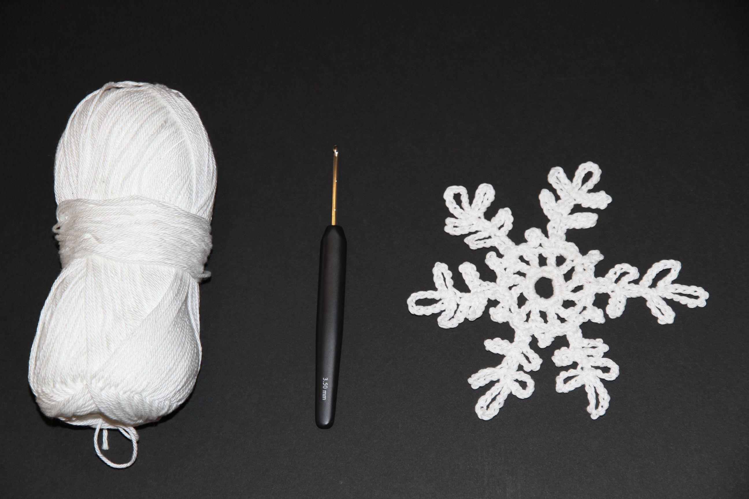 Weihnachtsdeko: Schneeflocken häkeln mit WOLLEN Berlin ...