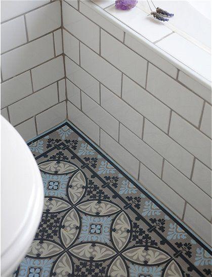 Die tolle Vinylmatte von Beija Flor ist mit Fliesenmustern - fliesenmuster für badezimmer
