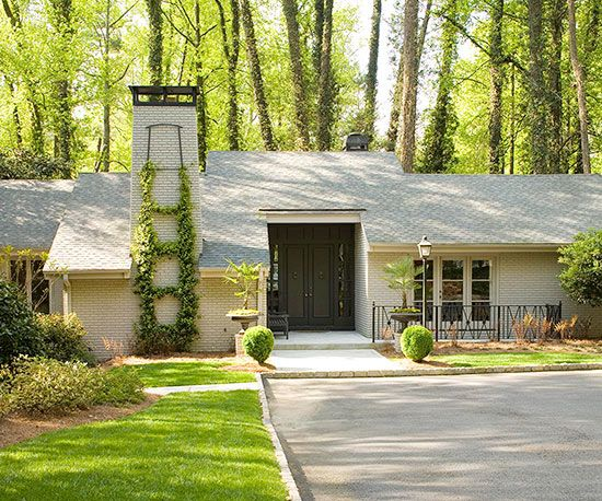 22 Ideas To Steal From Our Favorite Ranch Style Homes Ranch Style Homes Ranch House Exterior Ranch Style Home