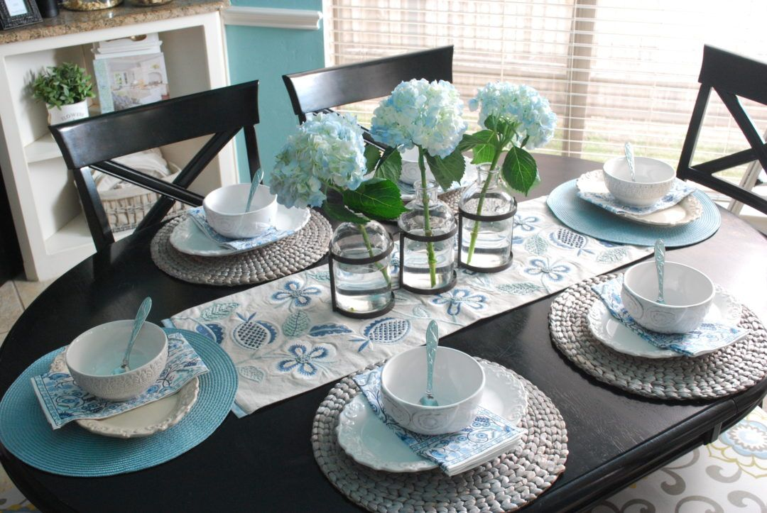 Simple Blue And White Tablescape Using Mismatched Dishes County Road 407 Simple Dining Table Simple Table Settings Table Centerpieces For Home