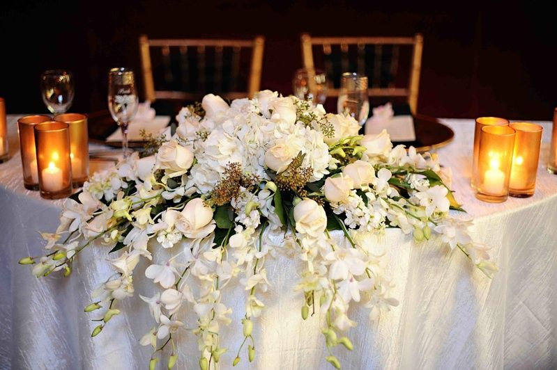 Image Result For Cascading Table Arrangement Table Flower Arrangements Wedding Inside Wedding Table