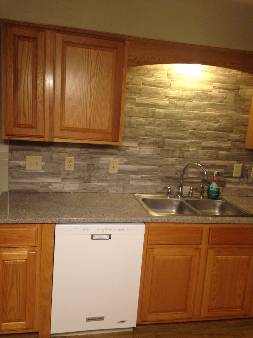 Oak Cabinets Gray Countertops Backsplash Lowes Quartz