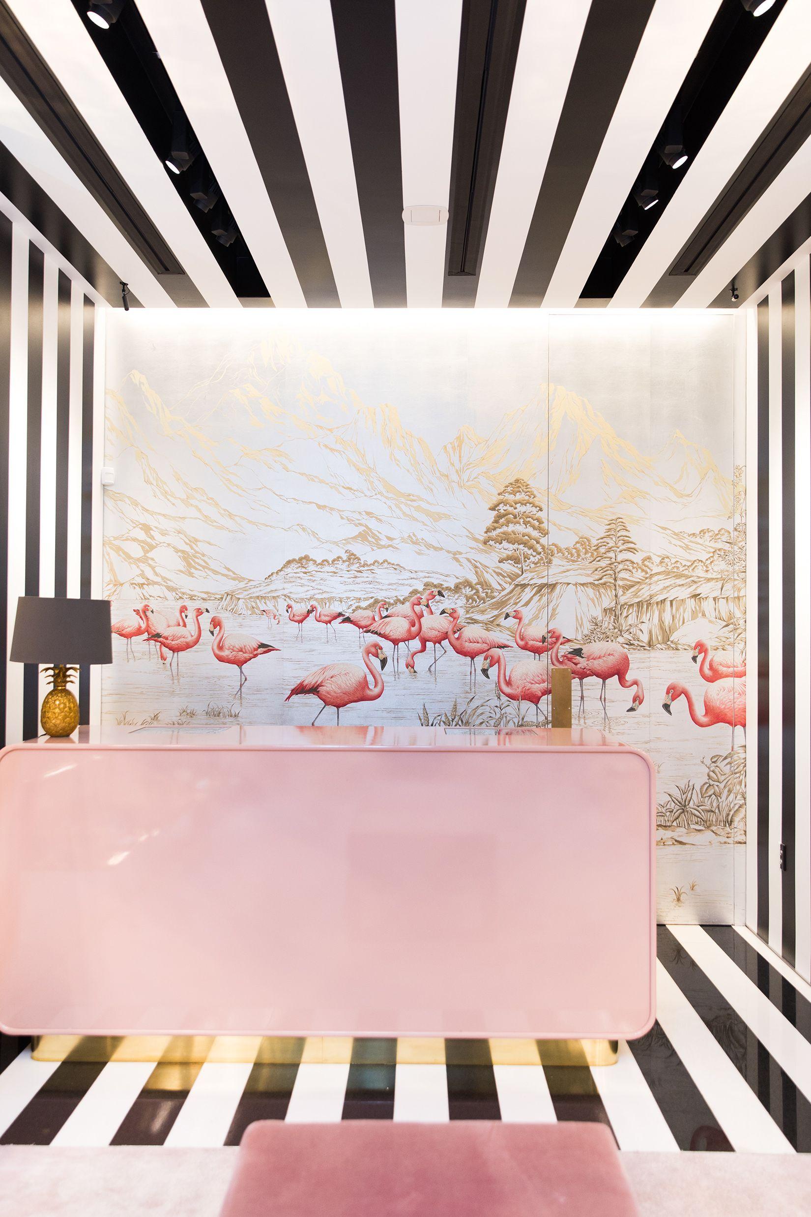 Baby flamingo car interior design - Flamingos Showroom Aquazzura De Gournay Cofer Studio