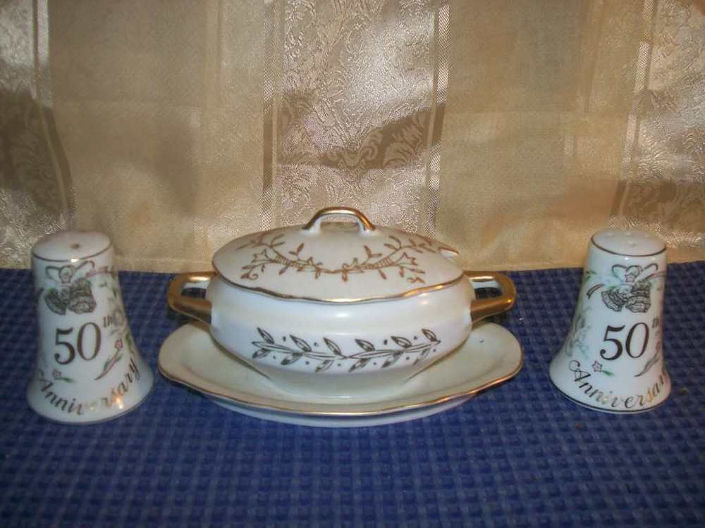 Lefton China 50th Anniversary White Gold Trim Sugar Dish w Salt n Pepper Shakers #lefton & Lefton China 50th Anniversary White Gold Trim Sugar Dish w Salt n ...