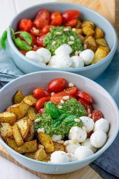 Die Pesto Potatoe Bowl ist so fix zubereitet, dass es doppelt gut schmeckt