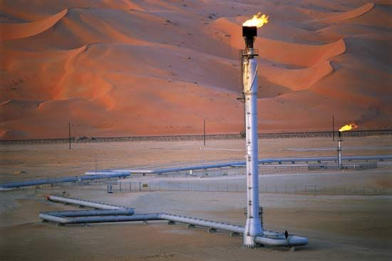 Oil Field Encyclopedia Britannica House Of Saud Saudi Arabia Oilfield