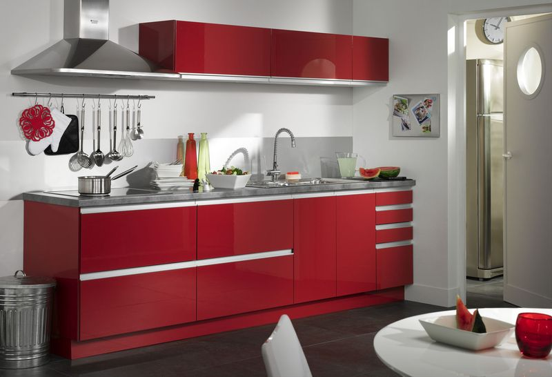 meuble cuisine solde modele cuisine noir laque cuisine quipe moderne noire nrou cuisine rouge. Black Bedroom Furniture Sets. Home Design Ideas