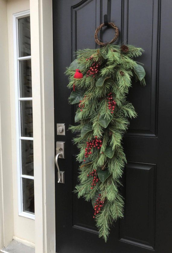 Produkty podobne do Christmas Swag, XL Christmas Wreath, Winter Wreath, Holiday Pine Wreath and Magnolia, Front Door Christmas Swags, Pine and Magnolia w Etsy