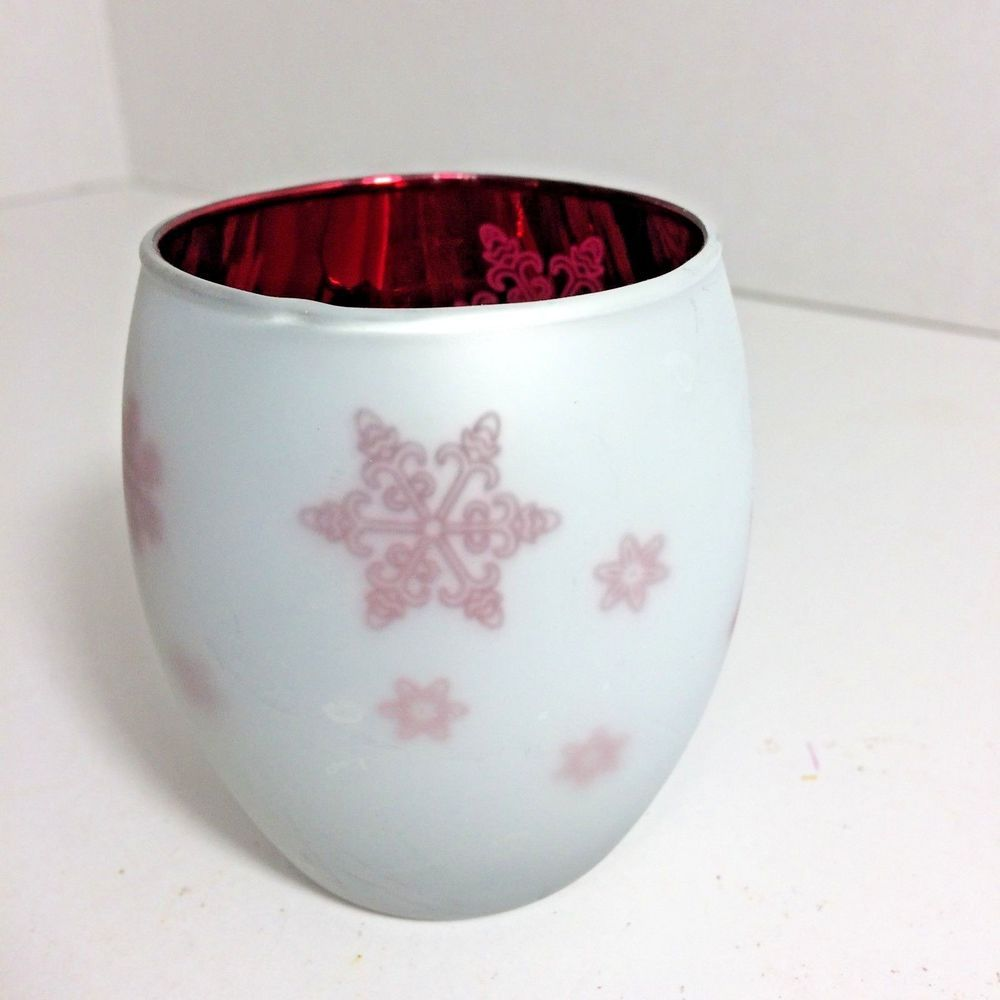 Festive red snowflake votive holder egg shaped yankee candle