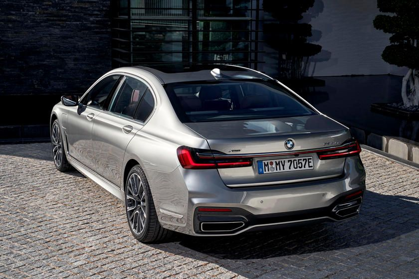2020 Bmw 7 Series Review Trims Specs And Price Carbuzz In 2020 Bmw 7 Series Bmw Sport Bmw