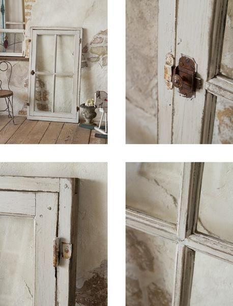 シャビーシックなアンティークのガラスウィンドウ 窓枠 イギリス 扉
