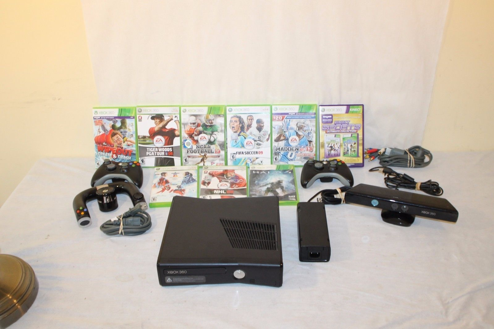 Xbox 360 Slim Matte Black Console Model 1439 10 games Kinect 3 Controllers https://t.co/km8jeJvJS4 https://t.co/YBM90XcLoK