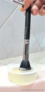 How To Clean Makeup Brushes | Easy and simple to follow steps!