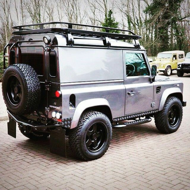 Land Rover Defender 90 Twisted