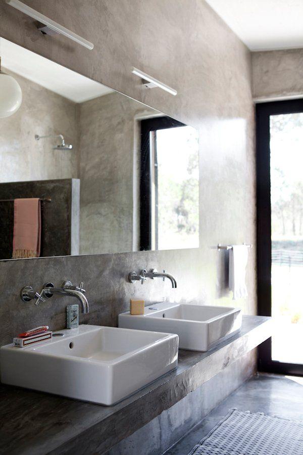 une salle de bain en bton cir lide a de quoi surprendre pourtant ce matriau brut dcoratif et rsistant trouve de nombreuses applications dans une - Salle De Bains Beton Cire