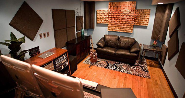 Recording studio design small pesquisa google more for Small recording studio plans