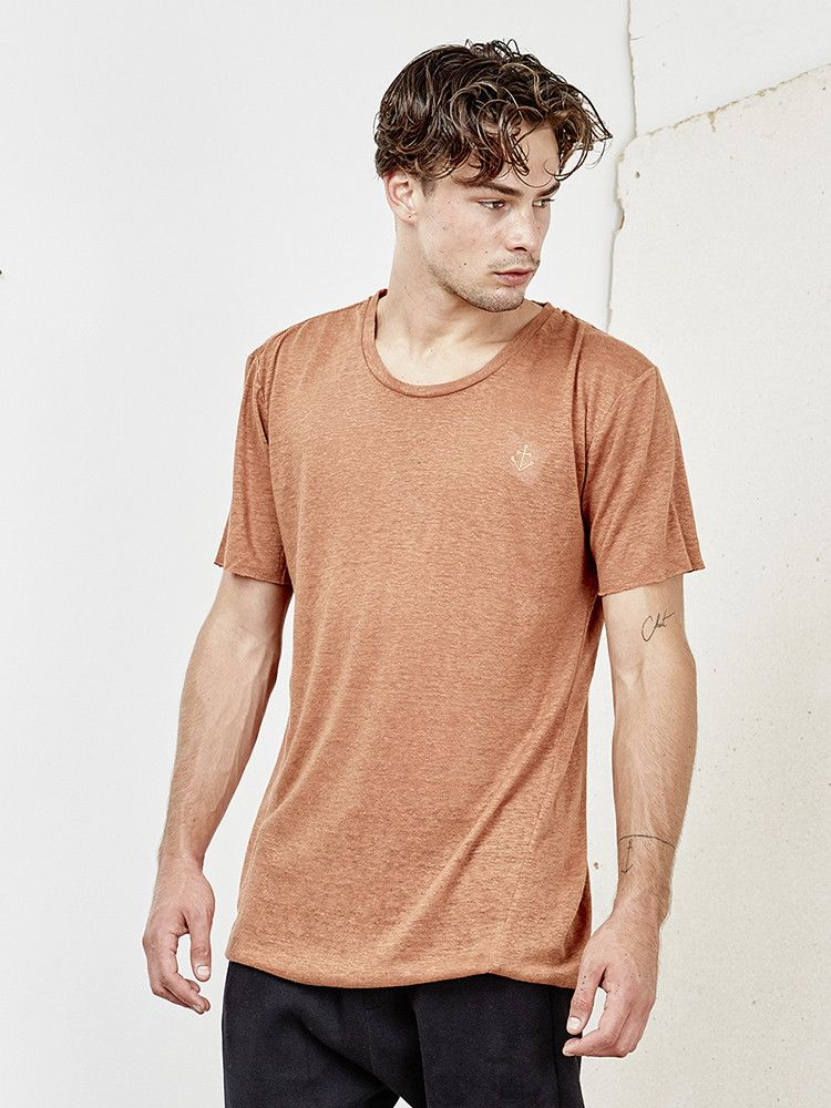 INSTED WE SMILE - Basic Tee - Rust