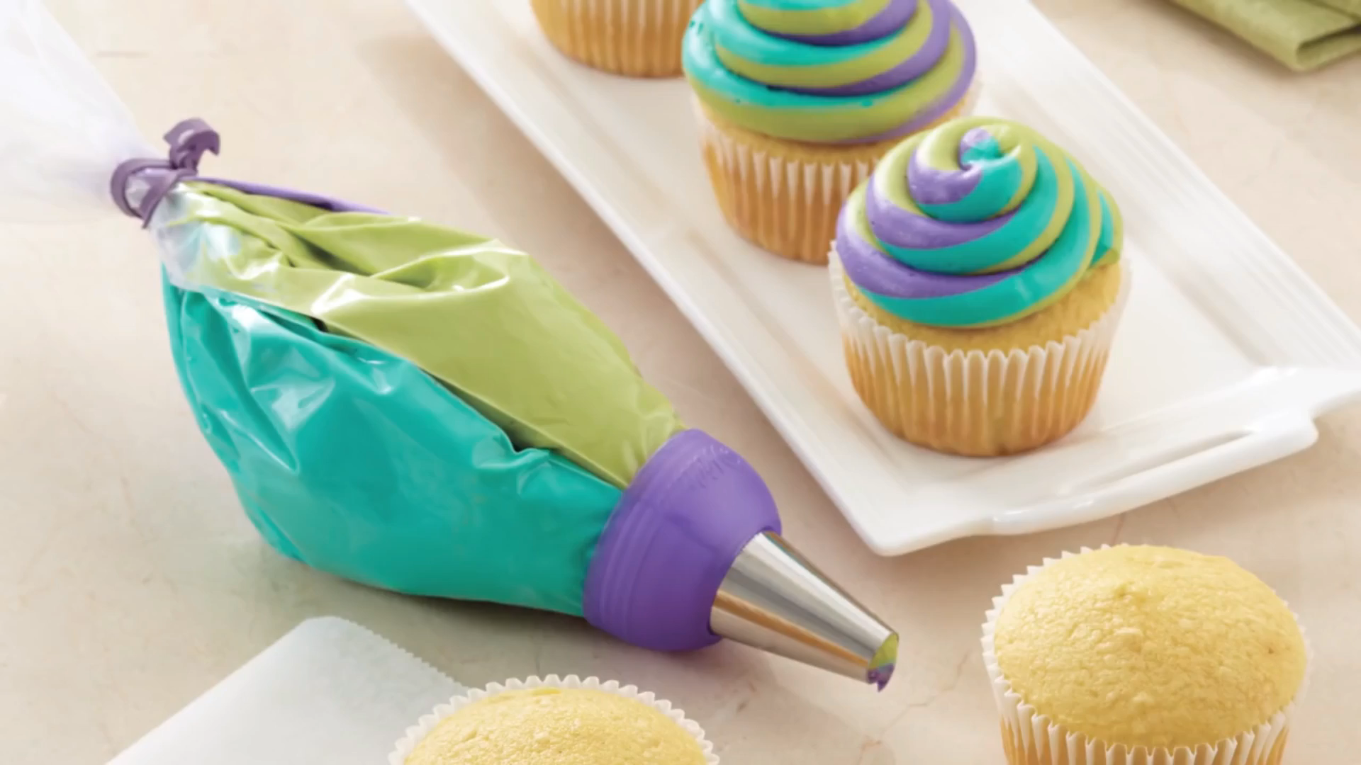 Tri-Color Icing Bag Coupler Nozzle Converter For only $11.99 this amazing device lets you easily level up your icing skills! Why wait? Get yours today!   nozzle