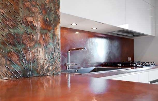 Superfici verticali in resina!! meravigliosa cucina con finiture in