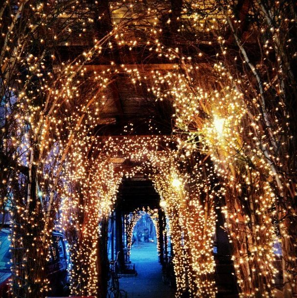 West Village at Christmas Time | Alice & Trixie ❤ NYC | Pinterest ...