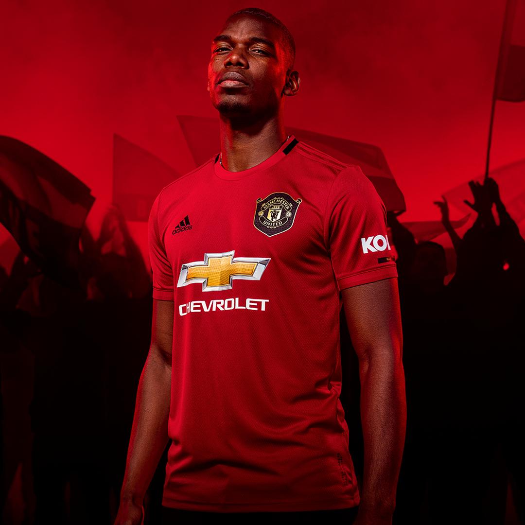 Commemorating A Unique Achievement Manchester United Manchester United Football Club Man United Kit
