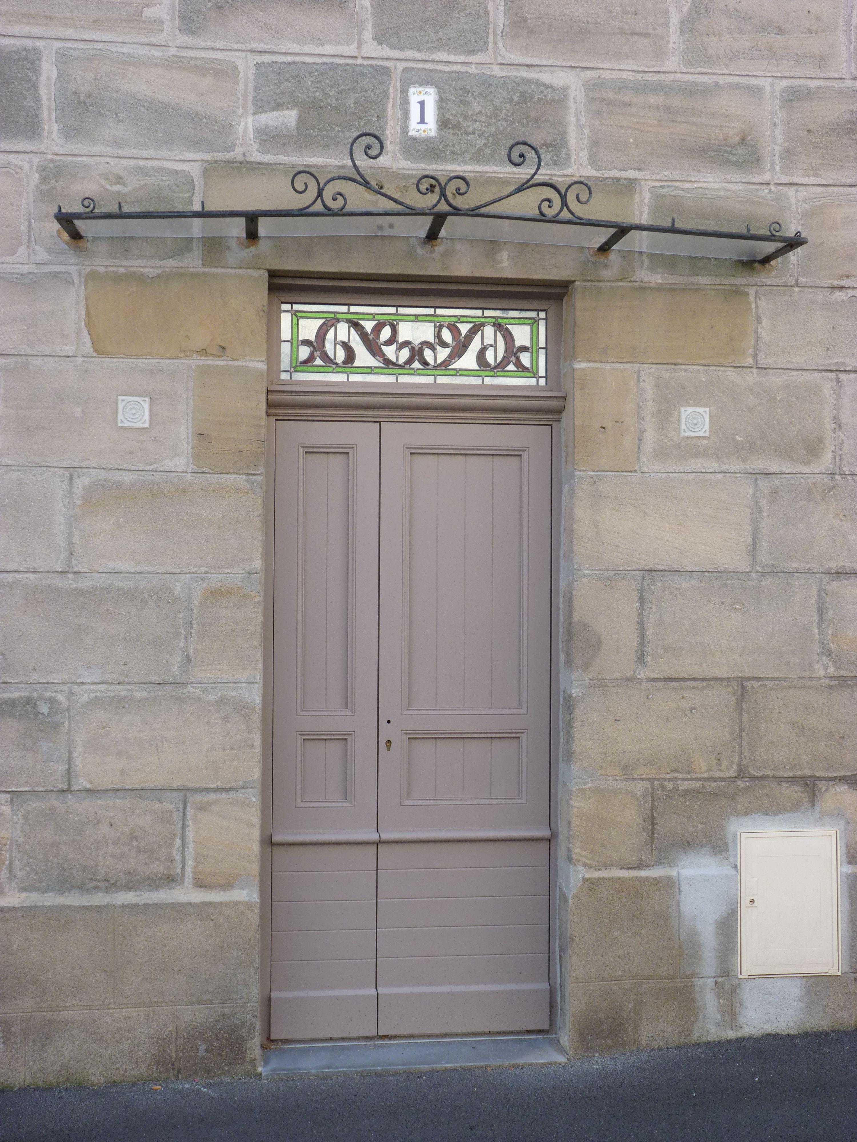 Porte d 39 entr e tierc e avec lames horizontales r guli res lames verticales r guli res et - Porte d entree avec vitrail ...
