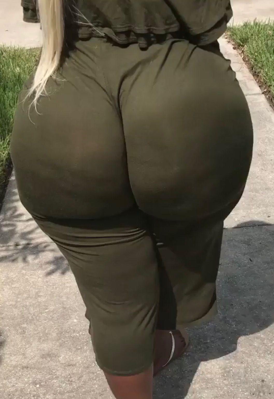 Big Booty Fucked Behind Teen