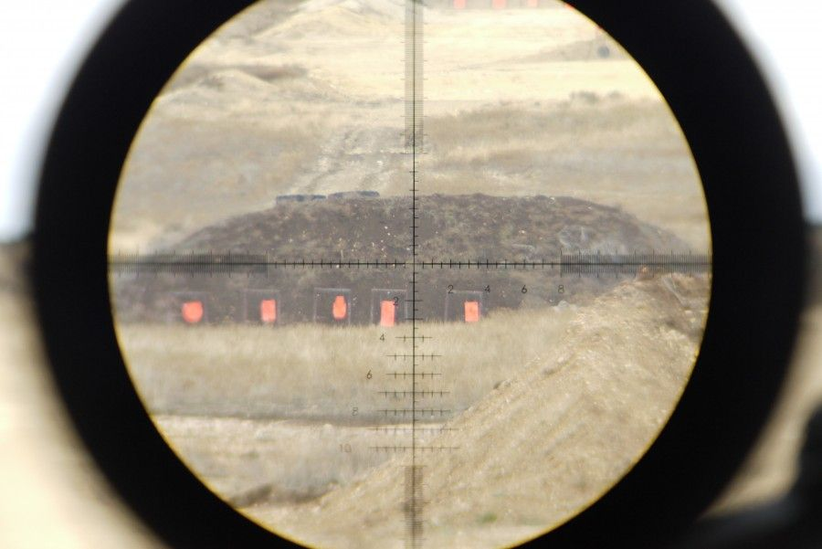 Bushnell S Gap 2 Reticle My Favorite Reticle Because Of It S Ease Of Use It Has Half Mil Marks For Easy Holdovers And 1 10 Ma Bushnell 10 Marks Long Distance