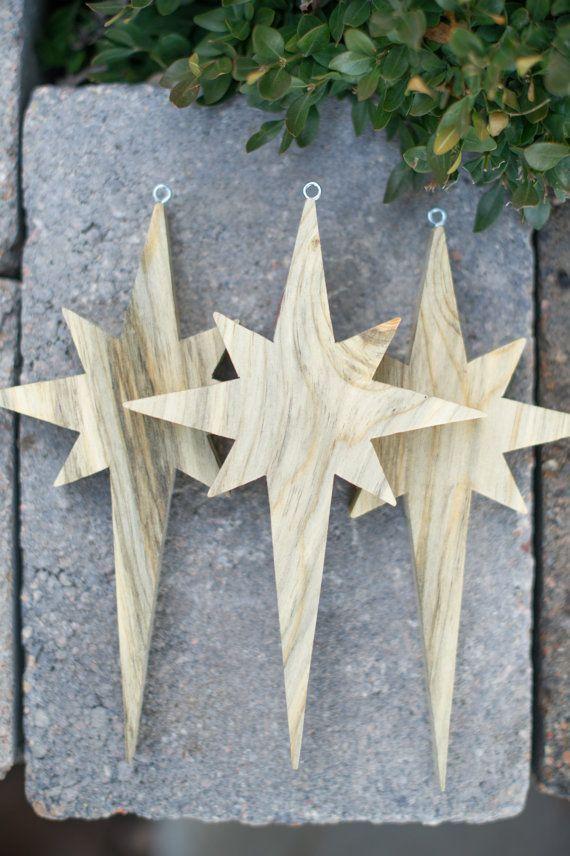 Wunderschöne, handgemachte Weihnachtsornamente aus Holz. Dicke, robuste Sternfigur aus Holz .... #christmasornaments