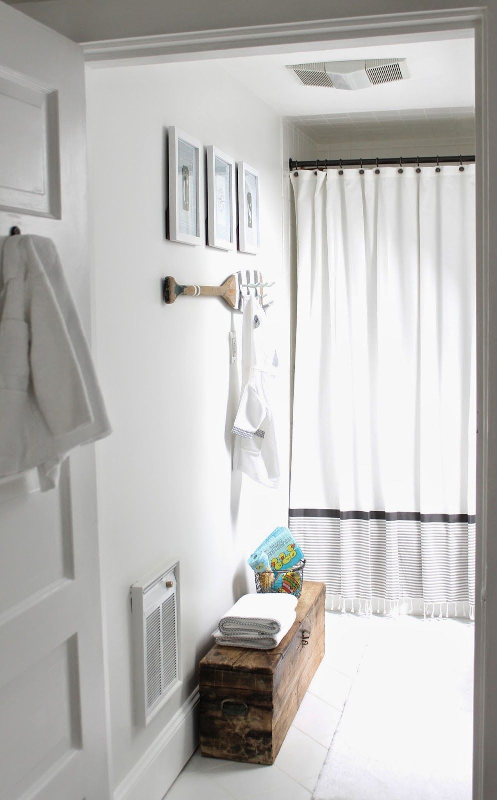 the picket fence projects: Baby\'s bathroom   Home   Pinterest   Bath ...
