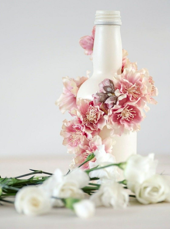 deko-selber-machen-vintage-vase-blumen-kleben-weiss-farbe (800