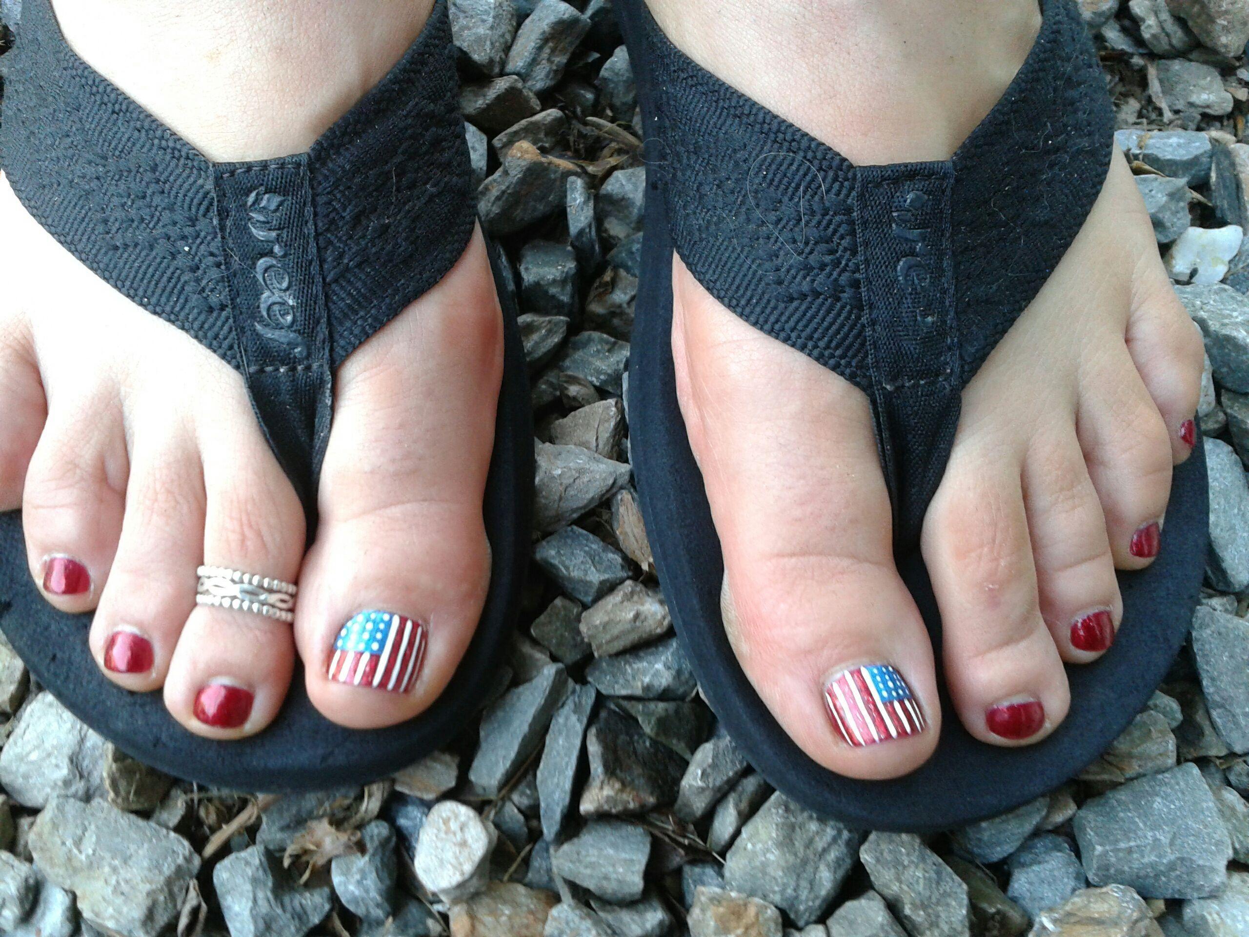 Patriot Pedi Nail Art By Niki Tunnessen At B Beautiful Salon In Leominster Ma Nail Art Beautiful Womens Flip Flop