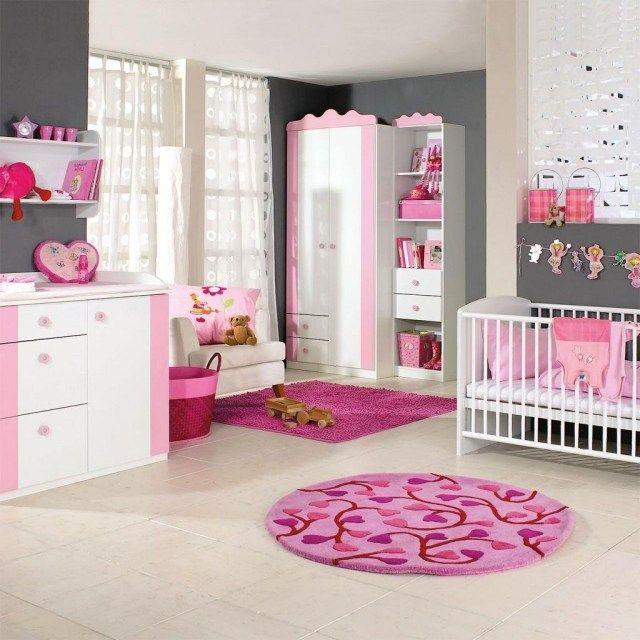 Chambre bébé fille rose gris murs gris tapis