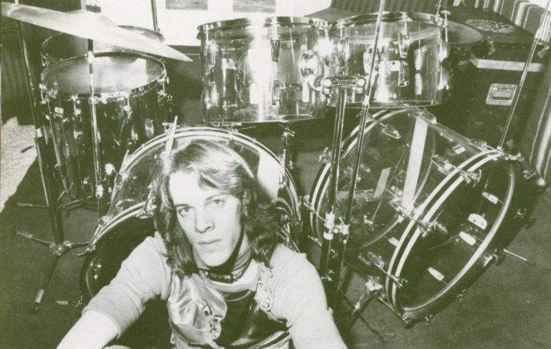 With so many modern drummers returning to acrylic shells here is a great photo from the 1970s of a pre-Police Stewart Copeland with his Vistalite kit.