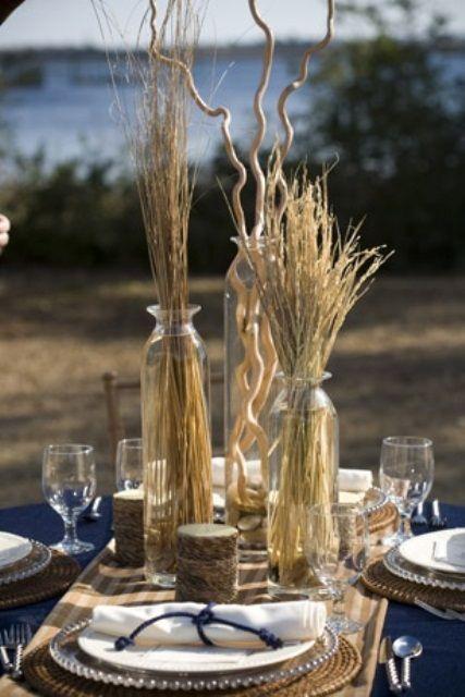 35 Romantic Beach Wedding Table Settings | Weddingomania | Beach ...