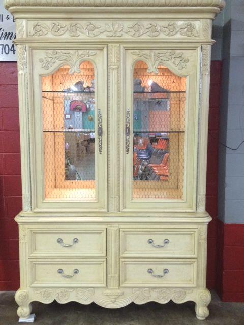 Attrayant Cream Colored China Cabinet
