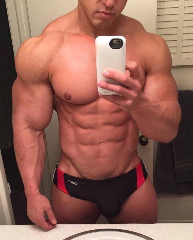 Bodybuilder gigantic pecs and teats