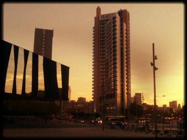 Barcelona Forum... Herzog DeMeuron... Tusquets... Mateo...