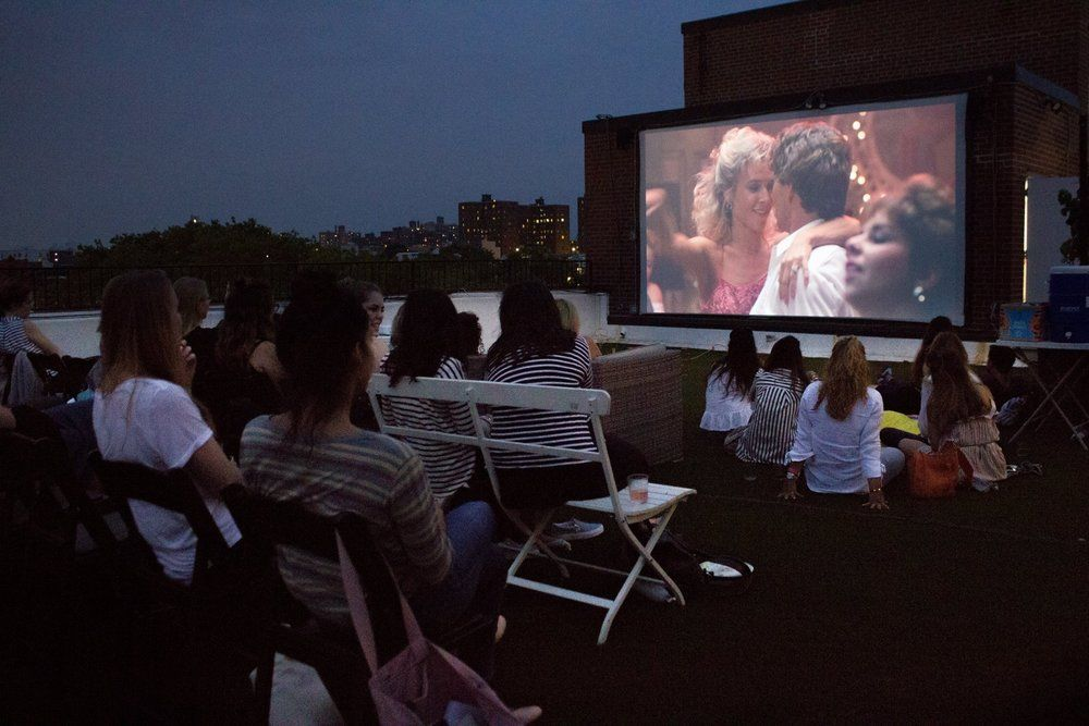 Outdoor Summer Pizza Wine And Movies At Rooftop Reds 299 Sands St Bldg 275 Navy Street Brooklyn Ny Rooftop Movies Summer Outdoor