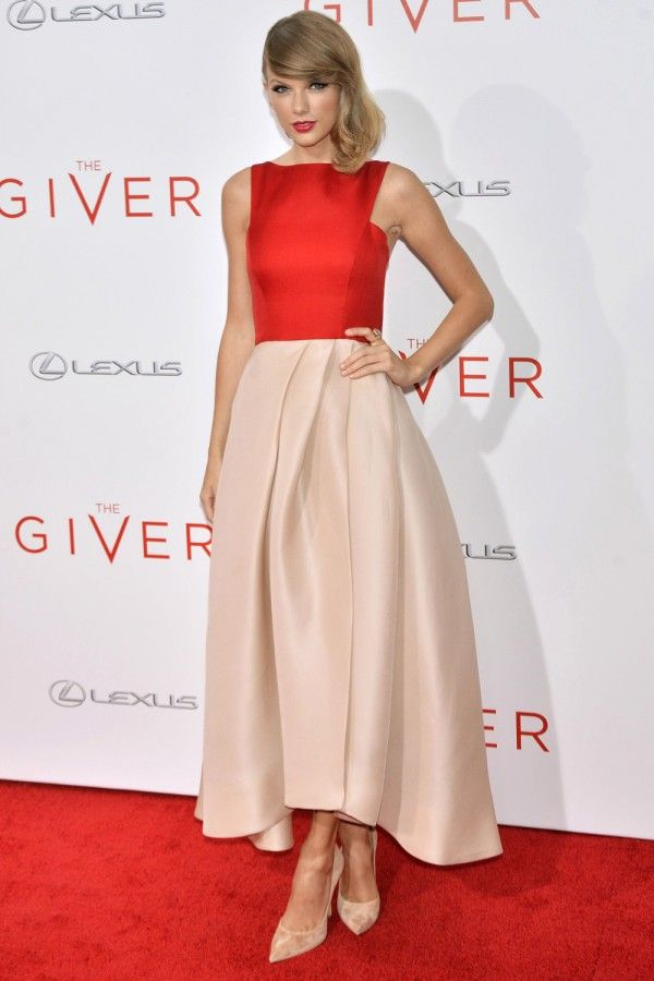 Taylor Swift at The Giver premiere